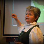 Cikkajánló – Pécsi Rita: Ott tartunk, hogy a gyerekek a legalapvetőbb érzelmeiket …
